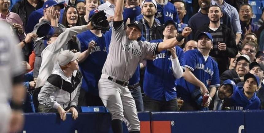 1460727497_yankees-blue-jays-baseball.jpg